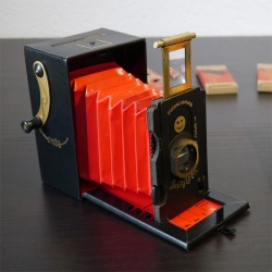 Jollylook Kamera aus Karton - Weltpremiere! Schon bestellbar!